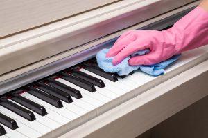 Comment nettoyer un piano numérique?